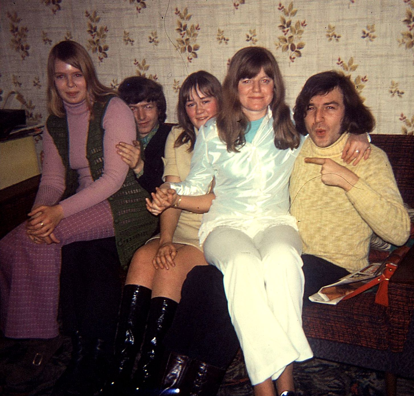 134._Pam,Chris,Jackie,Lyn,Andy_14.1.71-s