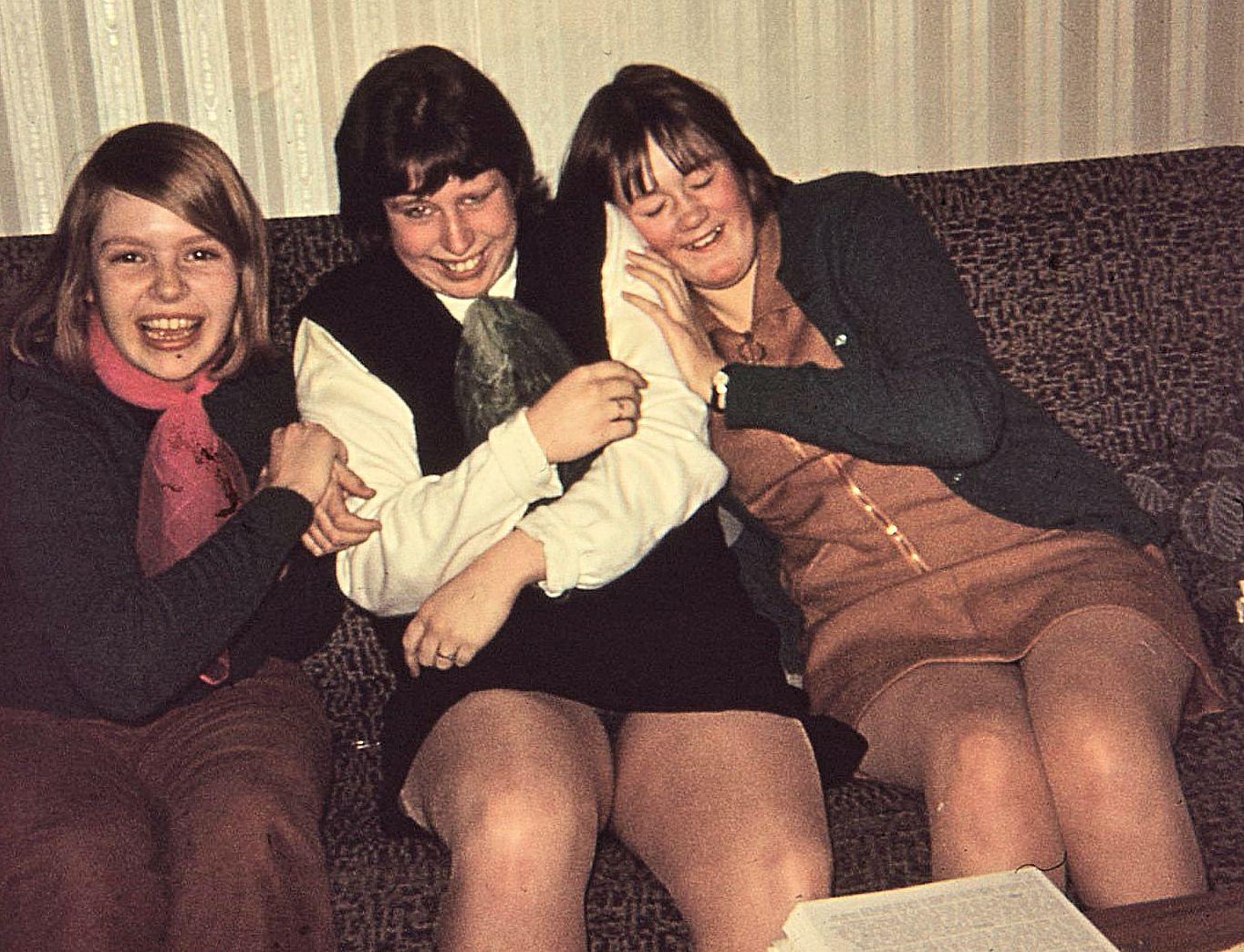 26._Pam,Jill,Jackie_8.3.69-s