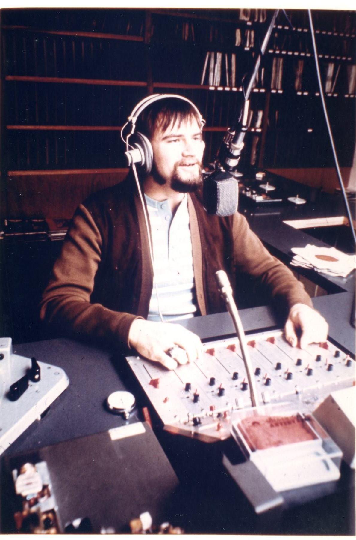 DJ Carl Mitchell - RNI