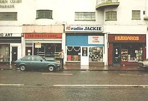 radio-jackie-office-mordon-1970s